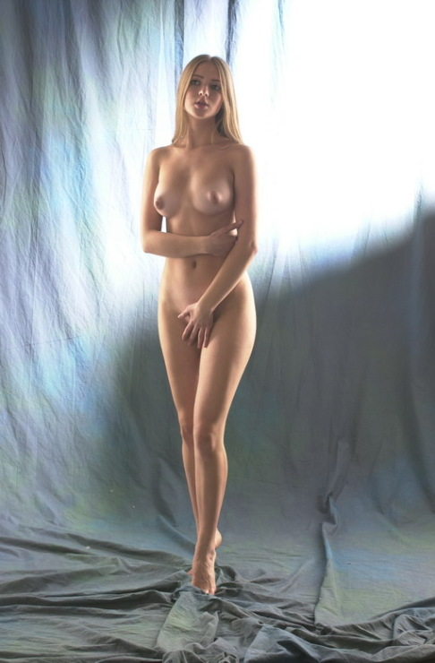 seksualnie-foto-yulii-kovi